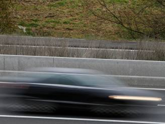 Vijf jaar rijverbod nadat beklaagde met 230 kilometer per uur over autostrade scheurt
