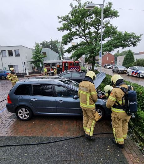 Loop je langs een geparkeerde auto, begint ie ineens te branden in Aalten