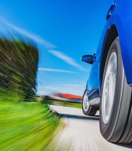 'Waarom verzwijgen autofabrikanten het geluidsniveau van een auto?'