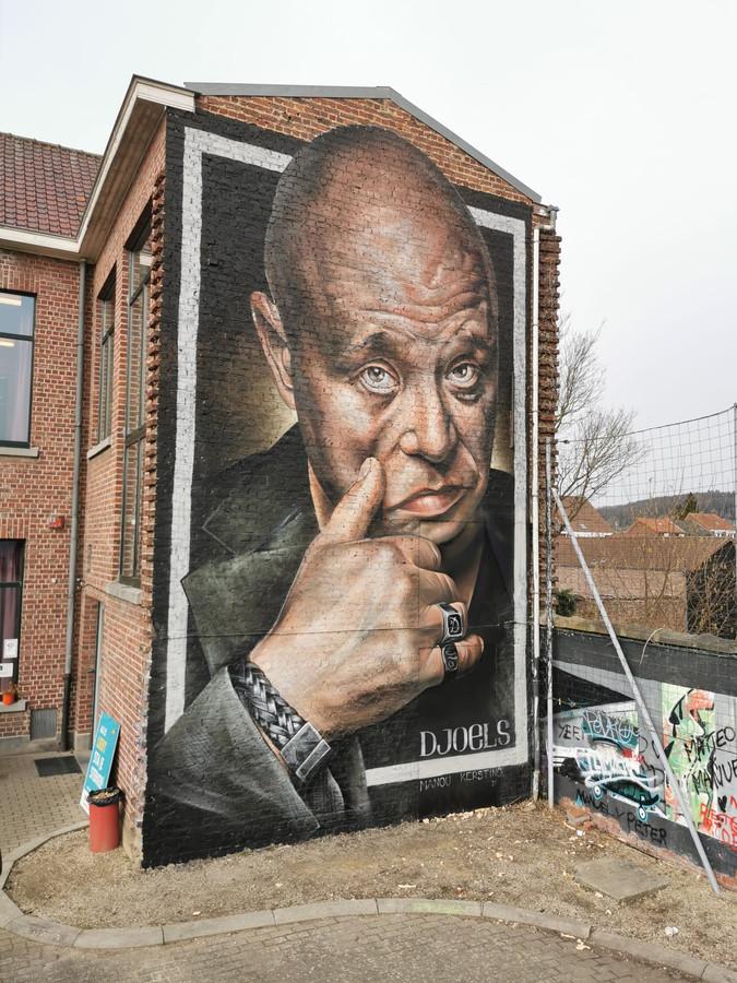 Graffitikunstenares Djoels nam Manou Kersting onder handen.
