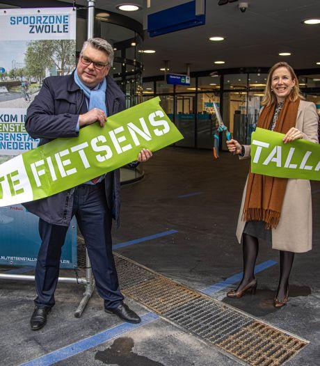 Meer dan genoeg ruimte en plek voor de bakfiets: fietsenkelder op station Zwolle officieel geopend, gebruikers zijn enthousiast