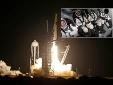 Les premiers touristes de SpaceX sont dans l'espace
