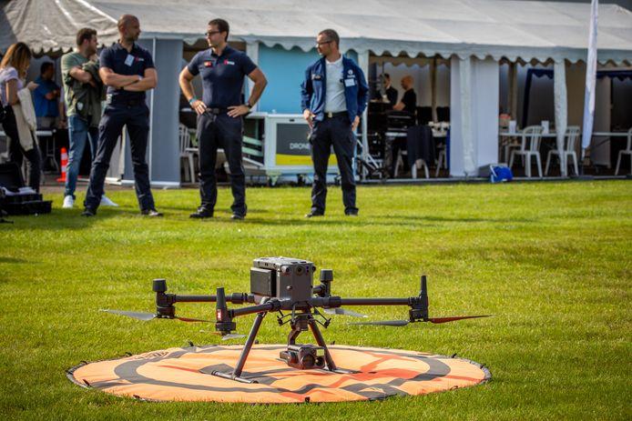 Ook de gloednieuwe drones van de politiezone Limburg Regio Hoofdstad zullen tijdens de opendeurdag gedemonstreerd worden (archiefbeeld Police Drone Day).