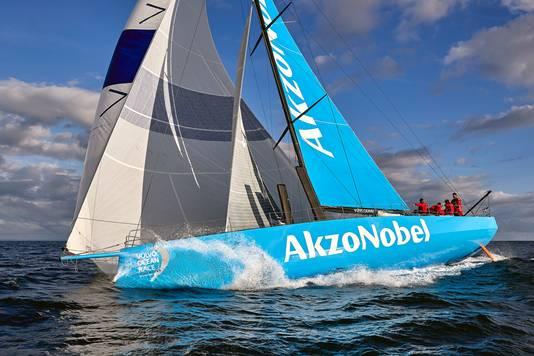 Team AkzoNobel, het team van schipper Simeon Tienpont, tijdens de training.