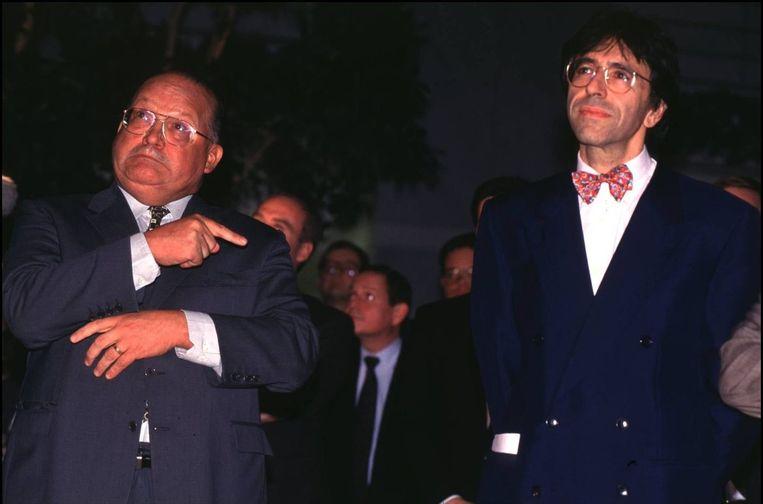 Vicepremier Elio Di Rupo (1996) werd beschuldigd van seks met minderjarige jongens. Premier Jean-Luc Dehaene suggereerde hem ontslag te nemen. Beeld photo_news