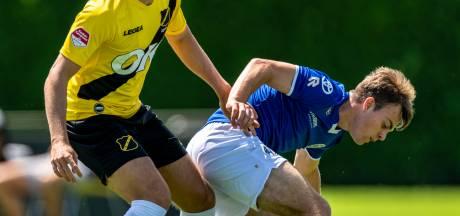 Voetballen en wennen voor FC Den Bosch-back Linus Zimmer