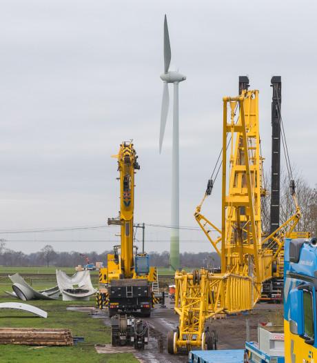 Drie windmolens Rouveen in duizenden 'stukjes' verkocht