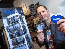 Popfotograaf Bullet-Ray legt iconen van de stad Zwolle vast voor sleutelhangers en magneten