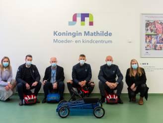 BMW schenkt trapauto's aan kinderafdeling UZA en AZ Monica