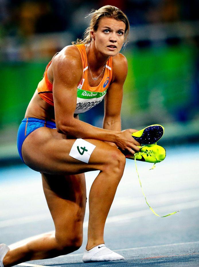 Dafne Schippers zwaar teleurgesteld na haar 200 meter in Rio.