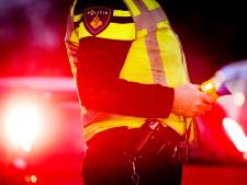 Bromfietser uit Wezep loopt twee keer tegen de lamp en veroorzaakt ongeluk in Zwolle