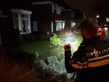 Beschonken bestuurder rijdt midden over een rotonde en scheurt door drie voortuinen voor hij wordt aangehouden in Veldhoven