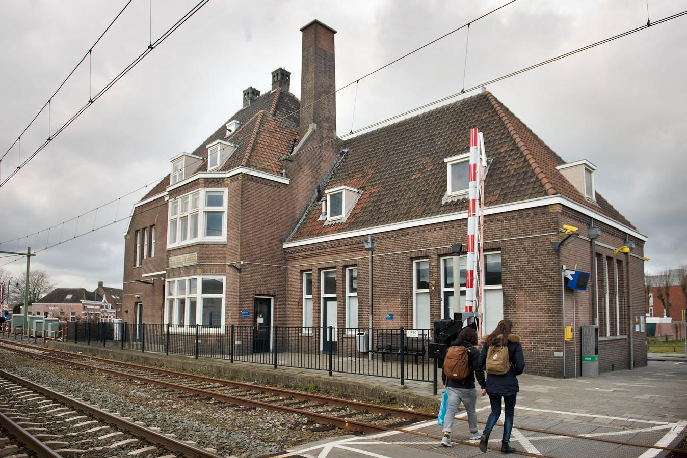 Het stationsgebouw van halte Gilze-Rijen zoals het er in 2017 uitzag.