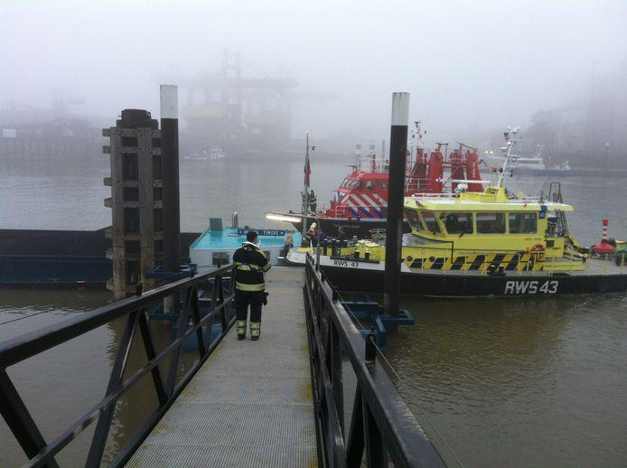 De Helena Tinke in de monding van het Maas-Waalkanaal. Foto: Peter Deurloo/DG