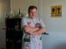 Binnenkijken bij het Zwolse horrorhuis van Thijs: 'Hier is het altijd Halloween'