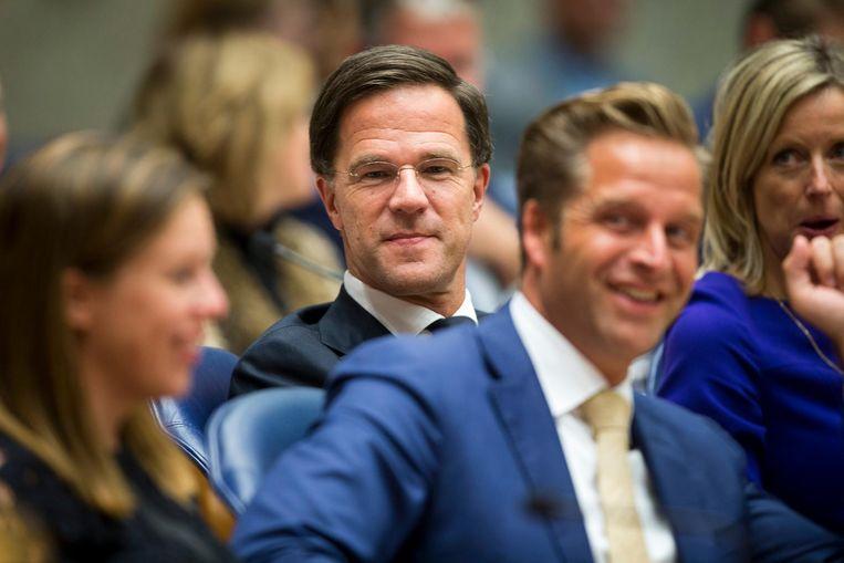 Premier Rutte luistert naar Pechtold Beeld ANP