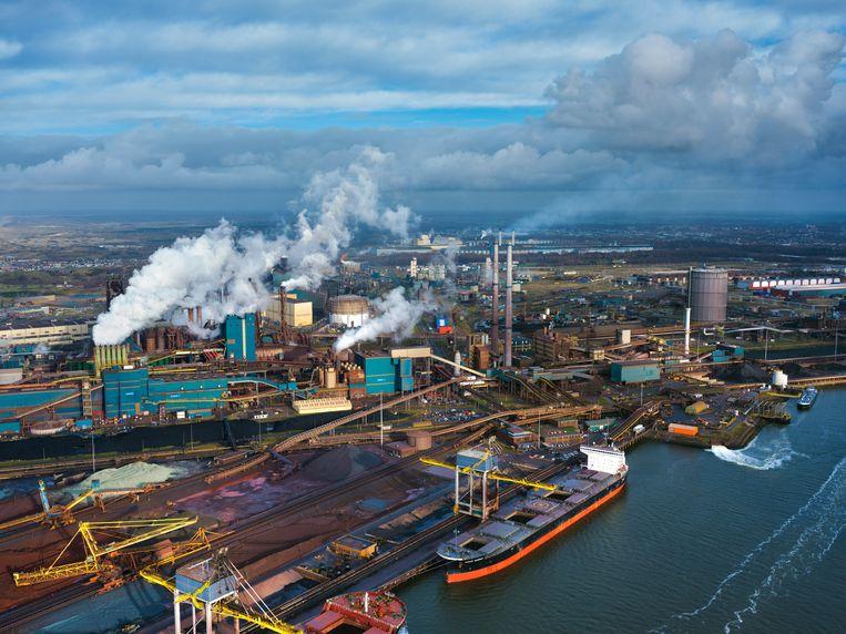 Tata Steel gezien vanuit de lucht. De weerstand tegen het staalbedrijf in de IJmond groeit. Beeld HH