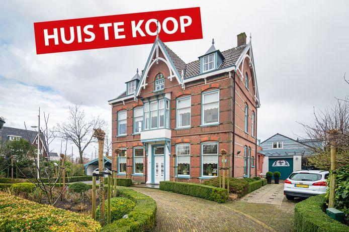 Het ruime en karakteristieke woonhuis van gepensioneerd huisarts Govert de Kool op Hoofdstraat 139 in Bergambacht.