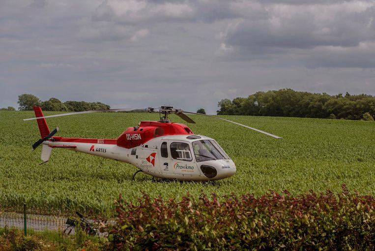 De mughelikopter landt in de Couthoflaan in Proven.