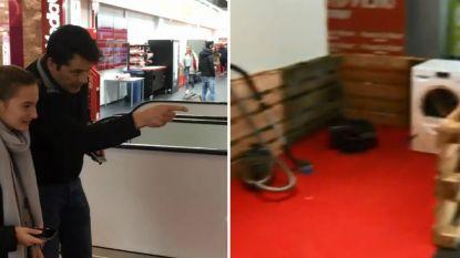 VIDEO: Petanquen met… smartphones in MediaMarkt