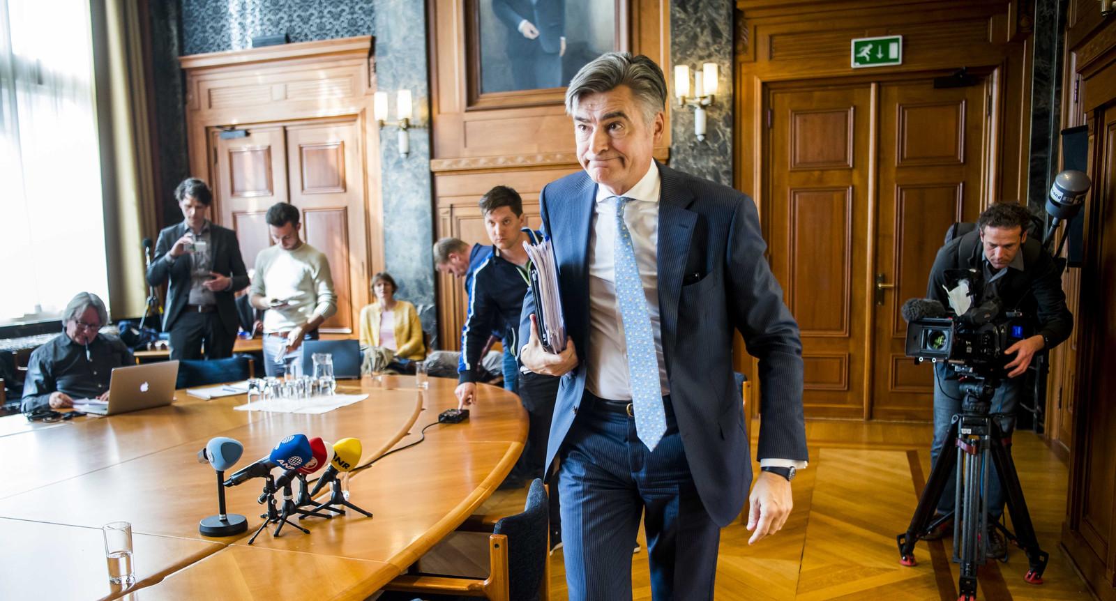 De Rotterdamse wethouder Adriaan Visser (Financiën, D66) is voorzitter van de Aandeelhouderscommissie van Eneco. Hij ligt op ramkoers met de Eneco-directie en ondernemingsraad