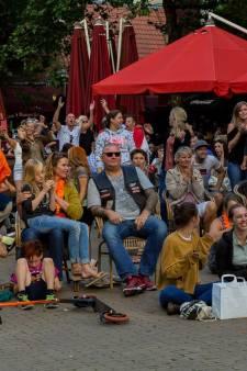 Oranje op groot scherm in de kroeg kijken mag wél in Amersfoort, maar terras blijft verboden