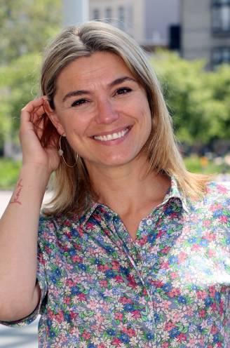 """Evi Hanssen vervroegt haar trouw voor zieke moeder: """"We kunnen nu heel bewust afscheid nemen"""""""