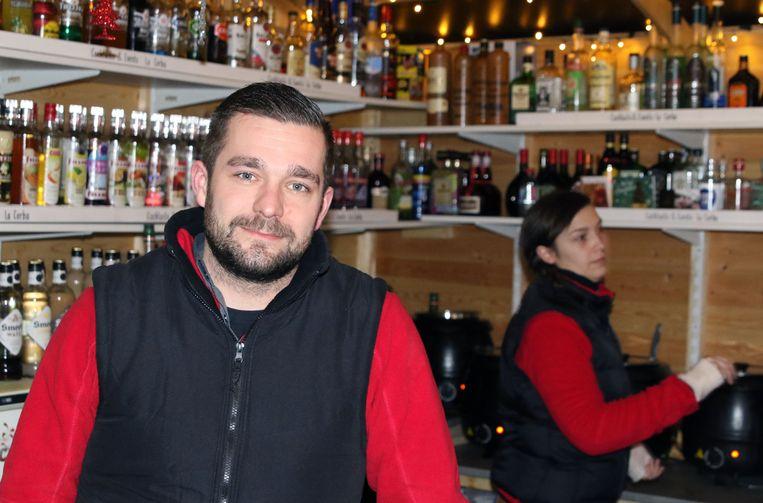 """""""Het was een geslaagde kerstmarkt"""", zegt Arne Naessens, die er voor het vijfde jaar op rij het kraampje La Corba heeft open gehouden."""