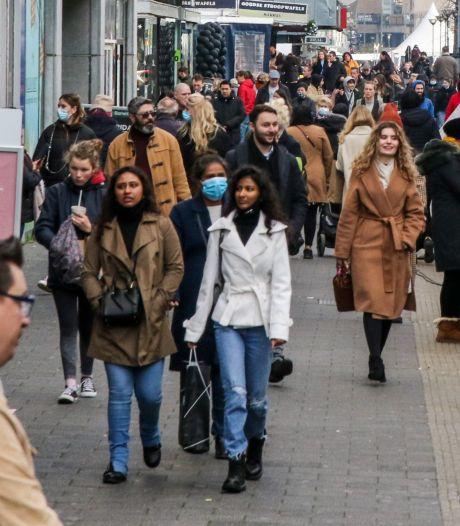 Winkels in Rotterdam sluiten ook vandaag eerder hun deuren vanwege verwachte drukte