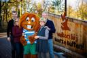 De familie Hagedoorn van vakantiepark Beerze Bulten in vrolijker tijden. Links Gerrit -Jan.