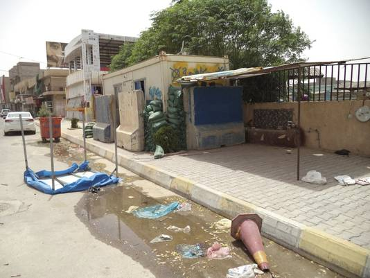 Verlaten checkpoint nabij Tikrit