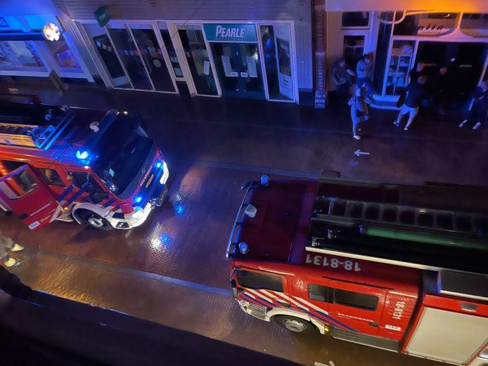 Brandweer in de Westwagenstraat.