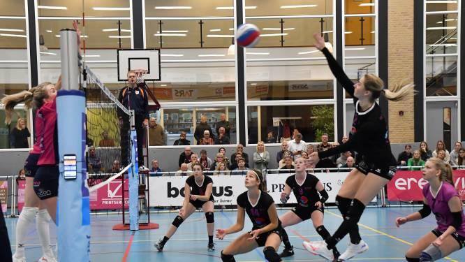 Martinovic komt bij volleybalsters FAST nog niet toe aan tactisch coachen