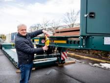Klacht transporteur Bolk in Almelo over Franse sticker tegen dode hoek leidt tot vragen in Europese commissie