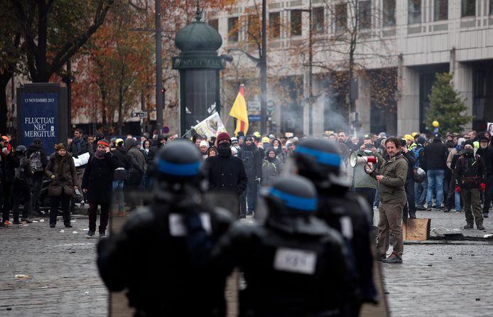 Ook op de Place d'Italie in het zuiden van Parijs kwam het tot confrontaties tussen politie en demonstranten.