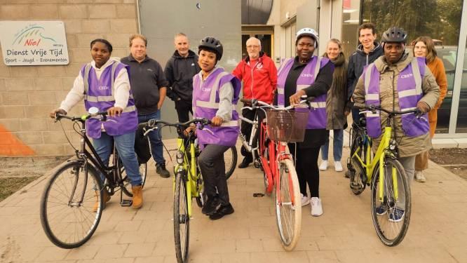 Zes volwassenen brengen fietsinitiatie tot goed einde