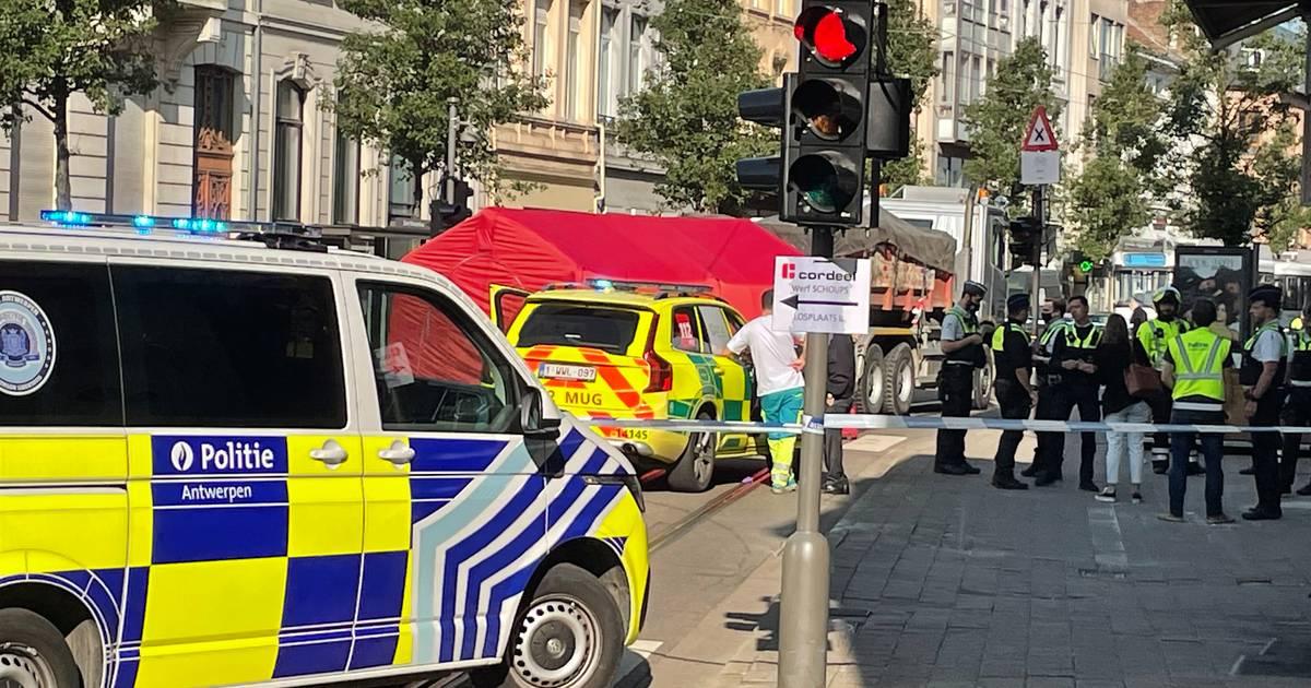 Twee kinderen op step sterven bij ongeval met vrachtwagen in Antwerpen.
