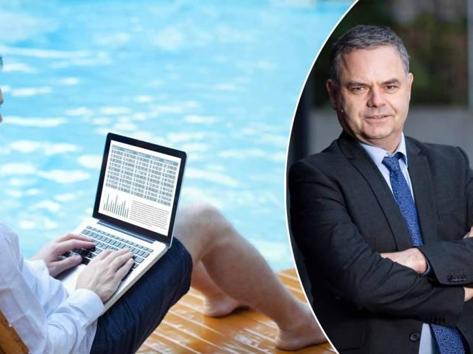 """Verkoop je je aandelen beter zodra je op vakantie vertrekt? Beursexpert Pascal Paepen: """"Veel hangt af van het soort belegger dat je bent"""""""