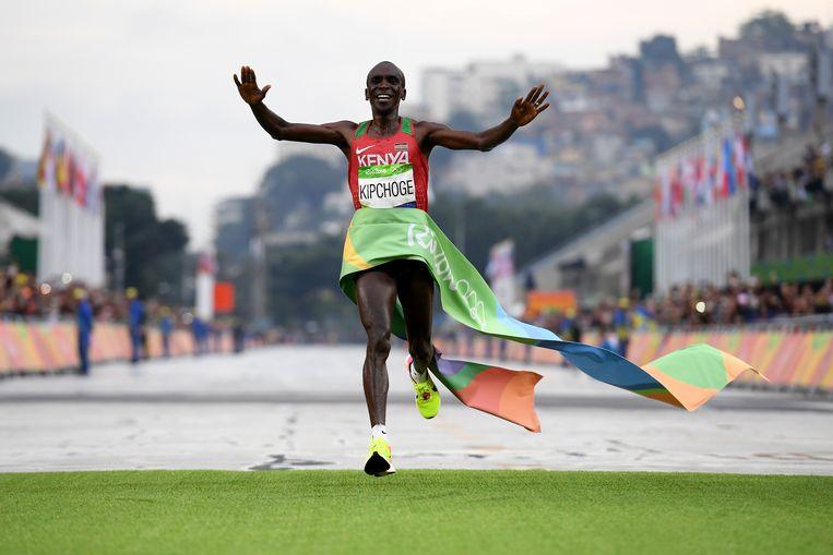 De Keniaan Eliud Kipchoge, de olympische kampioen van Rio, kan straks zichzelf opvolgen.  Beeld Getty Images