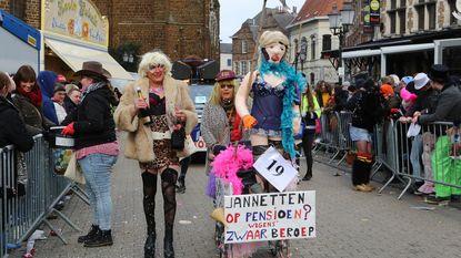 Carnavalisten en kijkers trotseren koude