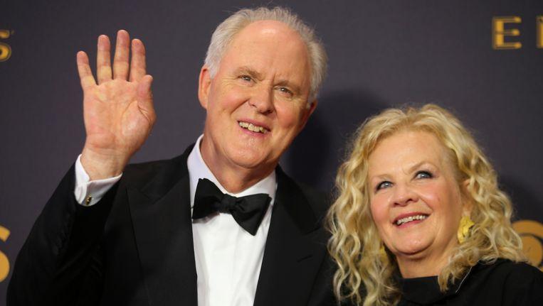 John Lighgow en Mary Yeager op de Emmy Awards. Beeld reuters