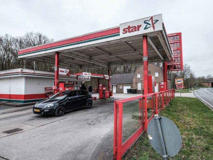 Achtung! Bij tanken of 'einkaufen' in Duitsland is negatieve coronatest verplicht vanaf dinsdag