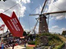 XXL-pijl wijst naar Bakkerijmuseum in Luyksgestel