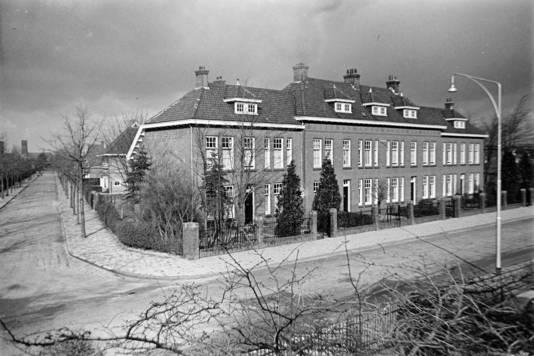 Marechausseekazerne (1919) peperduur bouwproject dat aan de Osse aannemers voorbijging.