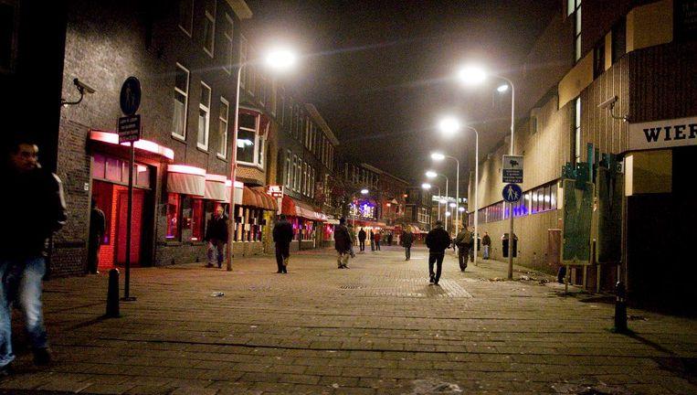 De Geleenstraat in Den Haag. De Haagse gemeenteraad bespreekt een plan voor prostitutiepanden waar sekswerkers veilig kunnen werken. Beeld FOTO HH