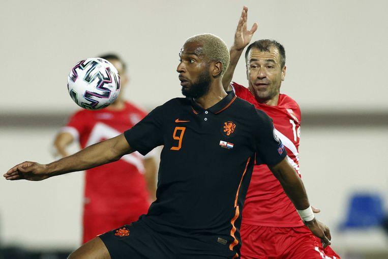 Ryan Babel in actie tijdens het duel tussen Gibraltar en Nederland, dat Oranje met 7-0 own. Beeld ANP