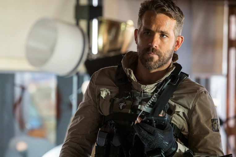 Ryan Reynolds in '6 Underground'. Beeld Photo News
