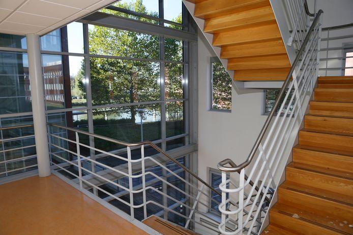 Eén van de talloze trappenhuizen in Meander.