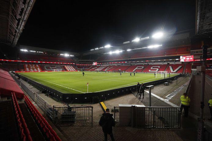 Het Philips Stadion is momenteel leeg tijdens wedstrijden.