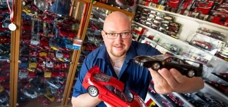 Na zwaar ongeluk begon Jan-Herm met verzamelen: 1.000 Ferrari's op slaapkamer